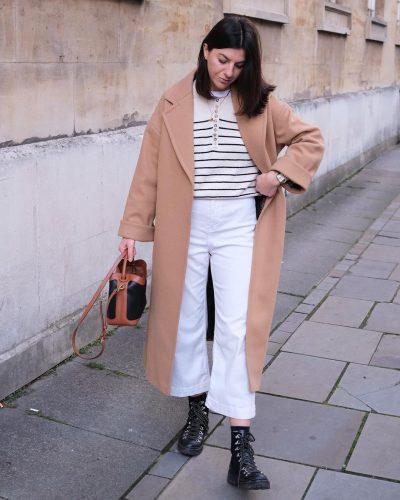 Cómo llevar pantalones blancos en invierno 3