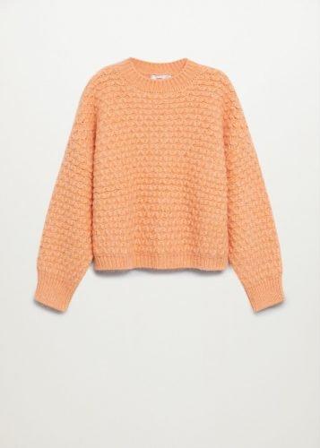 Las prendas de color que necesitas para alegrar tus outfits foto1