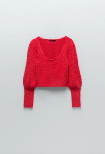 Las prendas de color que necesitas para alegrar tus outfits foto3