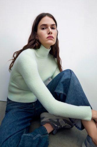 Cómo combinar jerséis de cuello alto como las influencers foto12