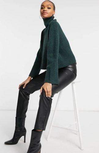 Cómo combinar jerséis de cuello alto como las influencers foto8