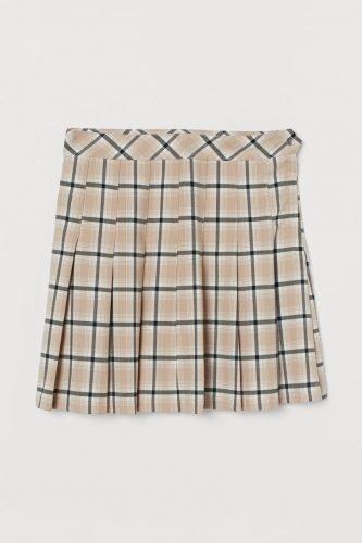 Cómo combinar tus faldas plisadas en tus looks de invierno foto 5