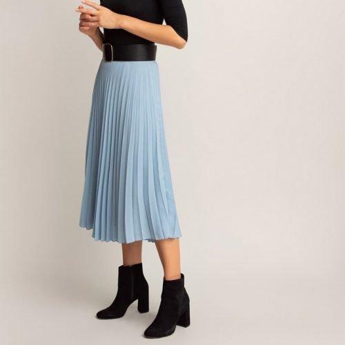Cómo combinar tus faldas plisadas en tus looks de invierno foto 9