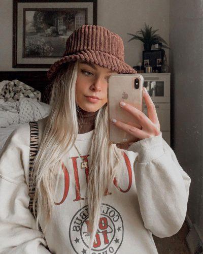 Cómo combinar jerséis de cuello alto como las influencers foto1
