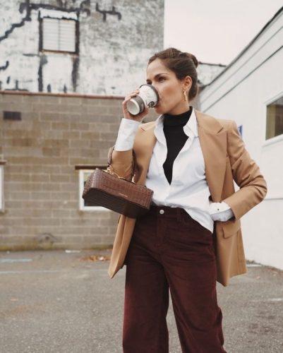 Cómo combinar jerséis de cuello alto como las influencers foto3