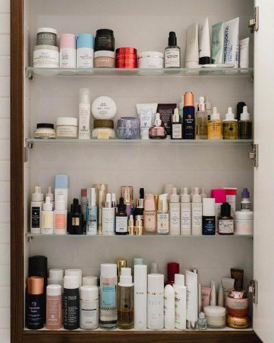 Los 10 productos imprescindibles de maquillaje en cualquier neceser