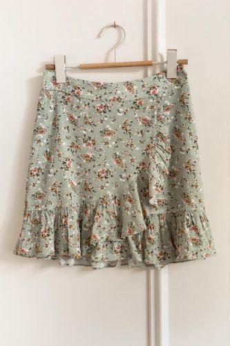 5 prendas que necesitas tener en tu armario esta primavera falda ese o ese