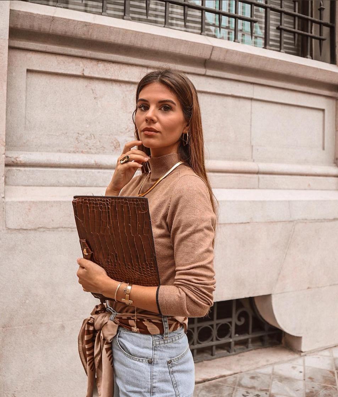 Cómo llevar un pañuelo de 6 formas distintas según las expertas en moda